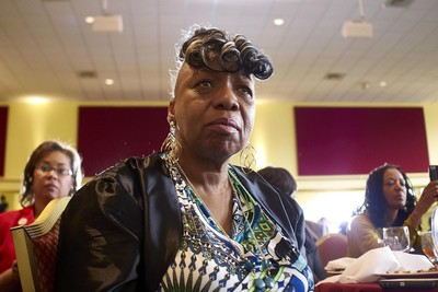 Gwen Carr, mother of police victim Eric Garner, will accuse Mayor de Blasio of misleading the public on her son's case. Carr, politicians and other advocates were slated to appear at City Hall Tuesday afternoon. (James Keivom / New York Daily News)
